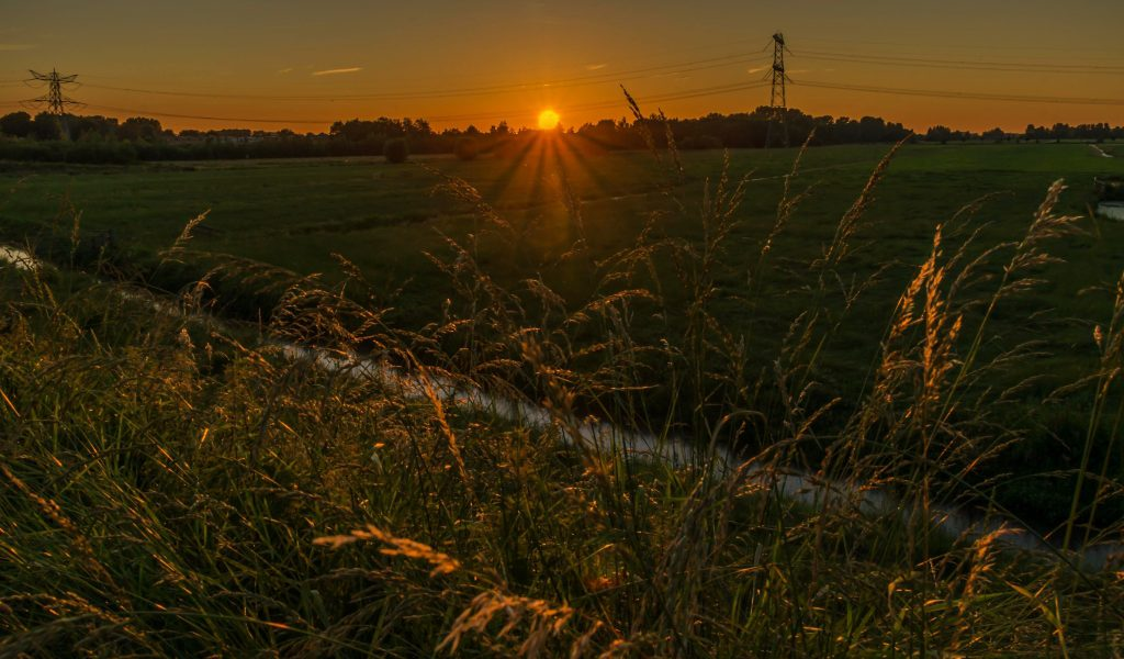 landschapsfotografie zonsondergang dijk gouda haastrecht