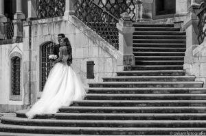 straatfotografie bruidspaar universiteit Coimbra, Portugal