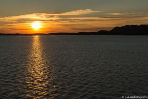 zonsondergang tussen Rørvik en Brønnøysund 02